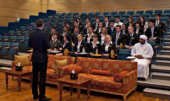 Emirates-Academy-of-Hospitality-Management2