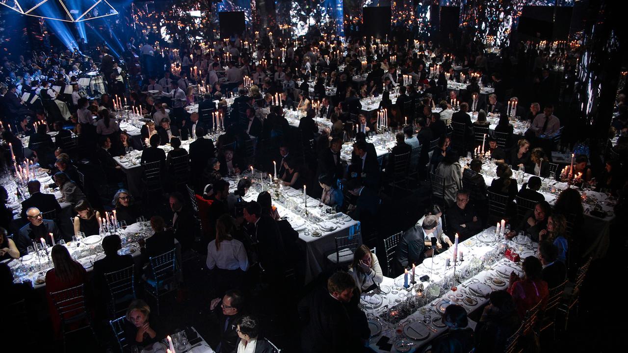 cq26gTfRw29iV6JSbLwA_120th-Anniversary-Gala-Dinner-swarovski-1280x720