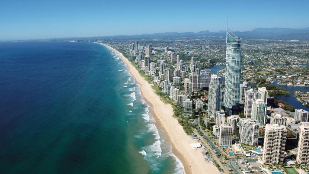 Beautiful-Queensland-coast-Australia-Source-australia.com_