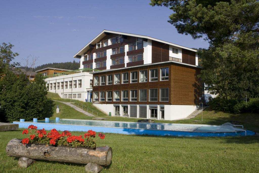Campus & Facilities (3)